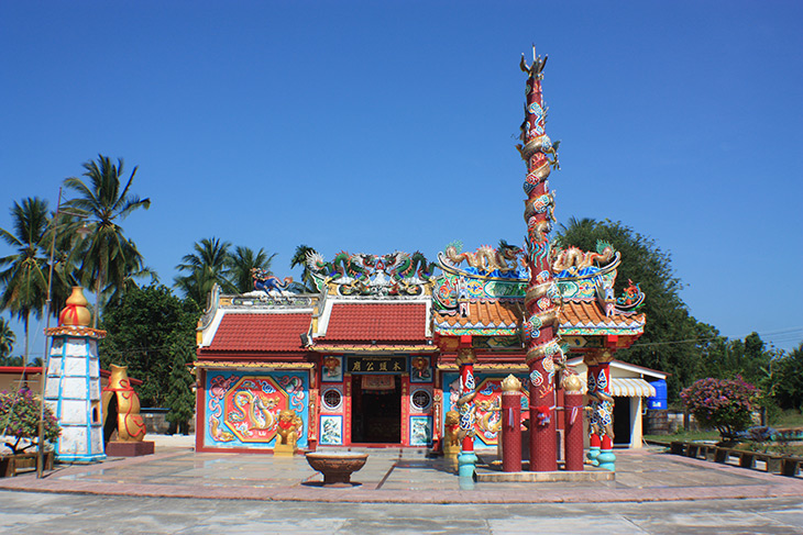 Thailand Sichon Chao Por Muang Tong Shrine