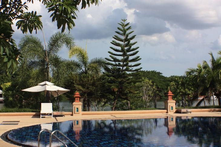 thailand, travel, nakhon pathom