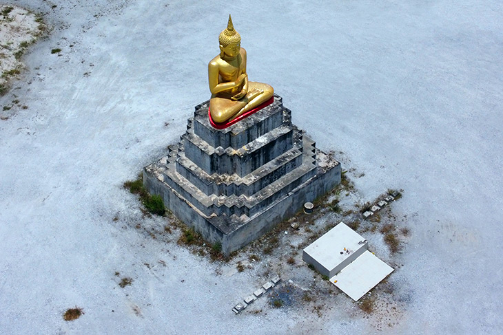 buddha statues park thailand