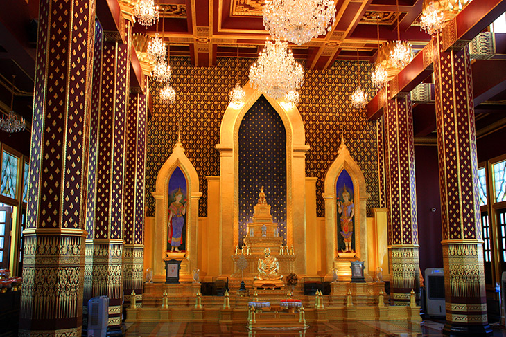 Wat Chantharam Uthai Thani